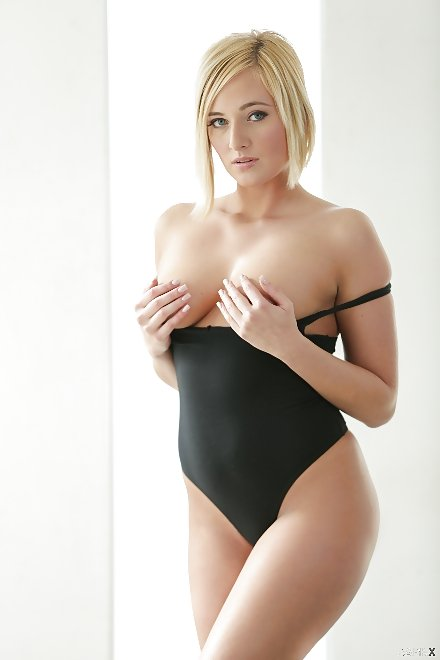 danielle nude pictures