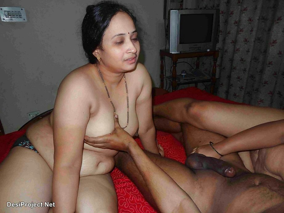 a woman naked free tied up